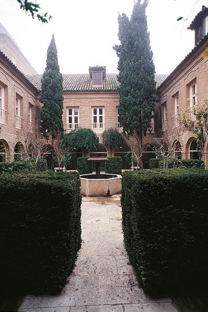 CLAUSTRO-PARADOR-de-Chinchon