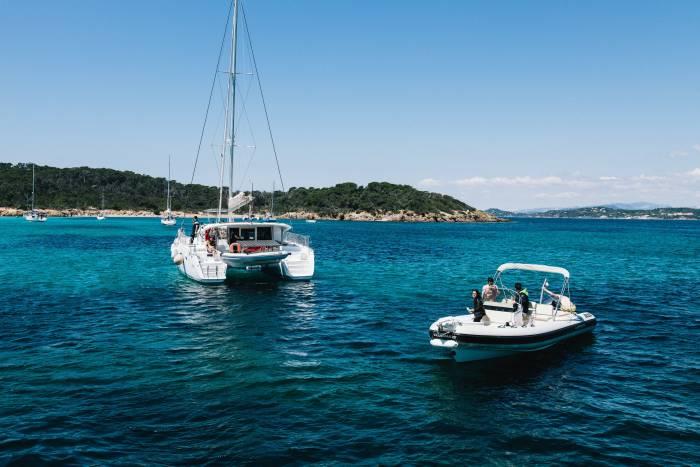 barcos turismo náutico Foto Click and Boat